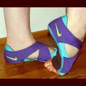 Like new NIKE studio yoga/dance shoes